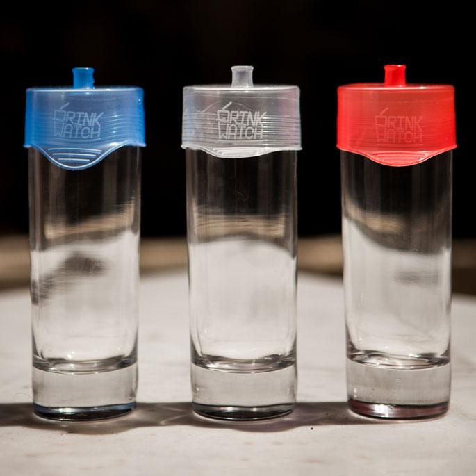 drinkwatch 3 verres avec protections bleu blanc rouge